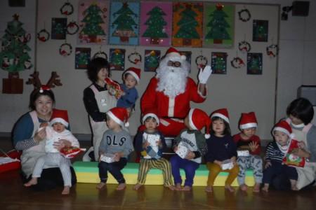 保育所 クリスマス サンタ